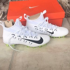 NWT unisex Nike cleats